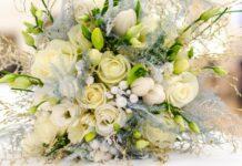 Make fresh flowers bouquet